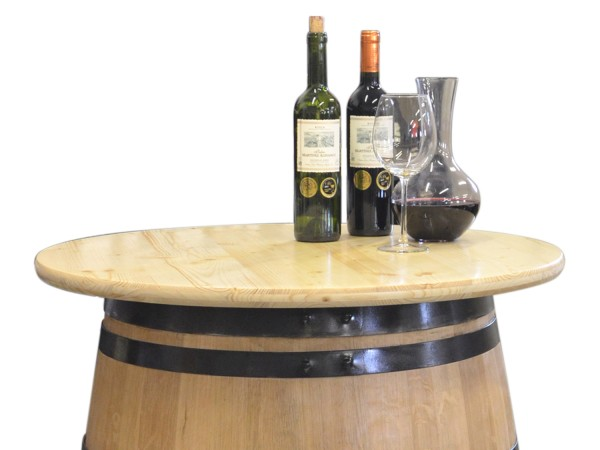 Tabla de madera como superficie para barriles de vino, lacado transparente